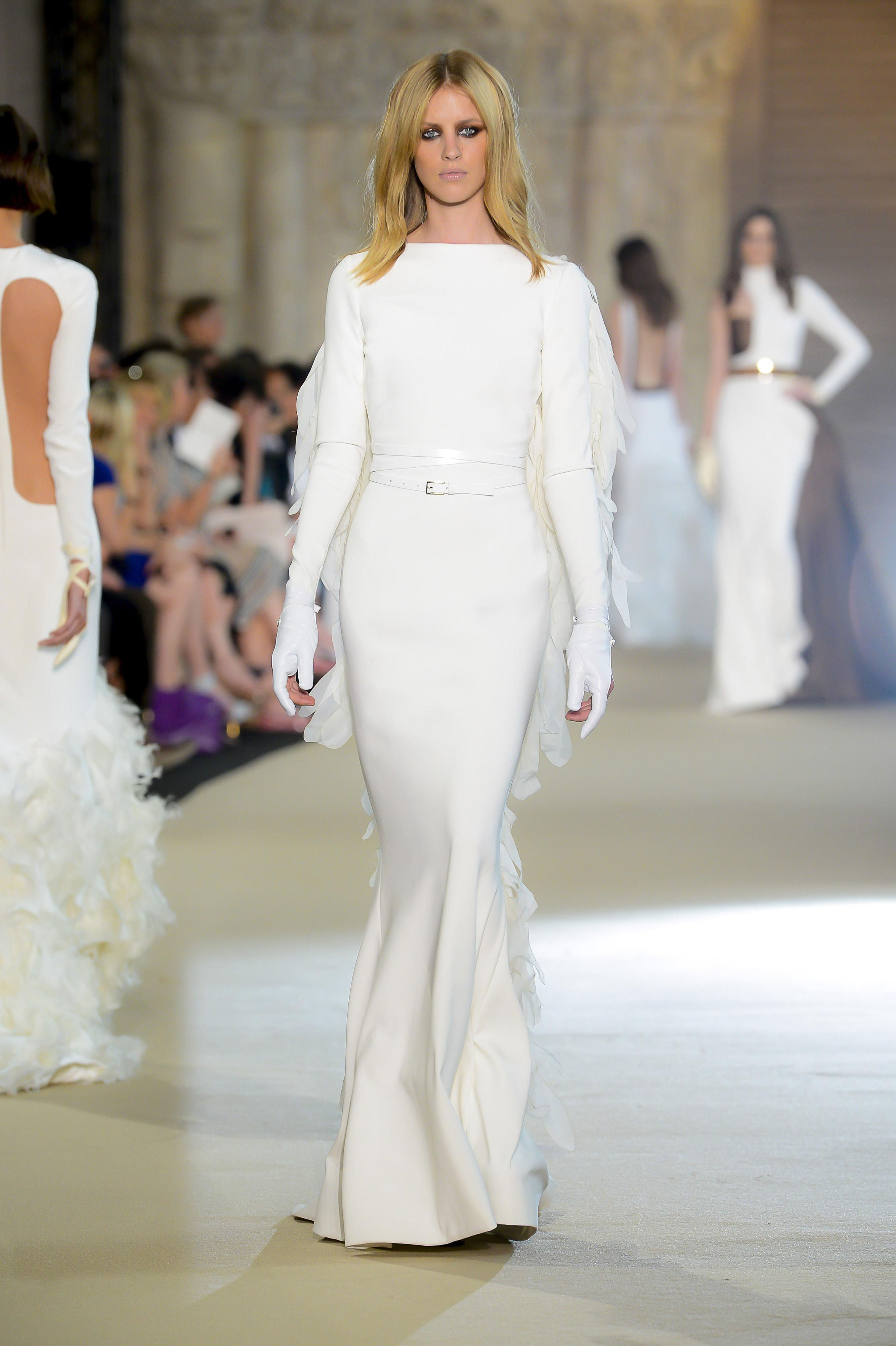 Свадебное платья с крыльями