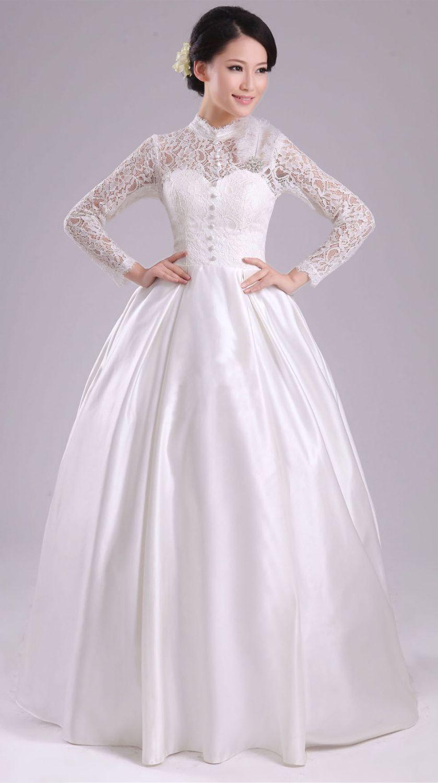 Платье с поясом из кружева