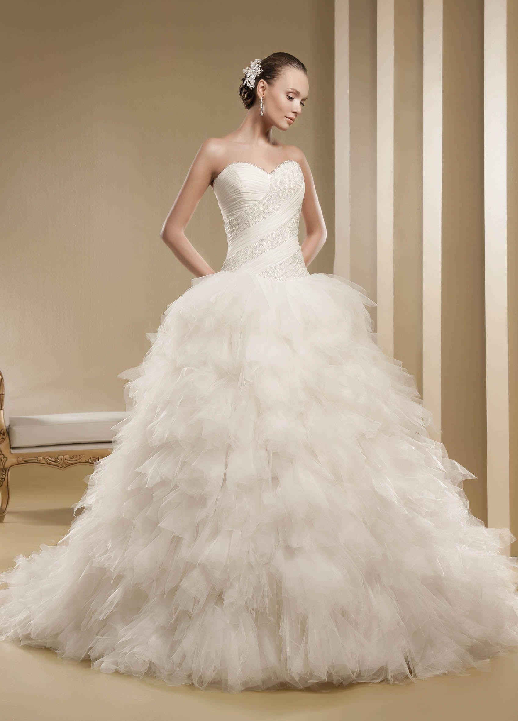 Свадебные пушистые платье